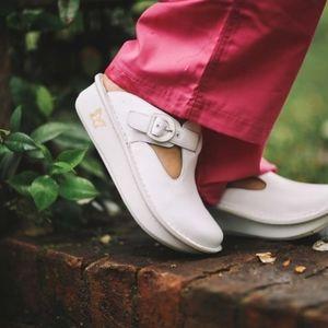 Alegria White Slip On Mule Clogs Comfort Shoes